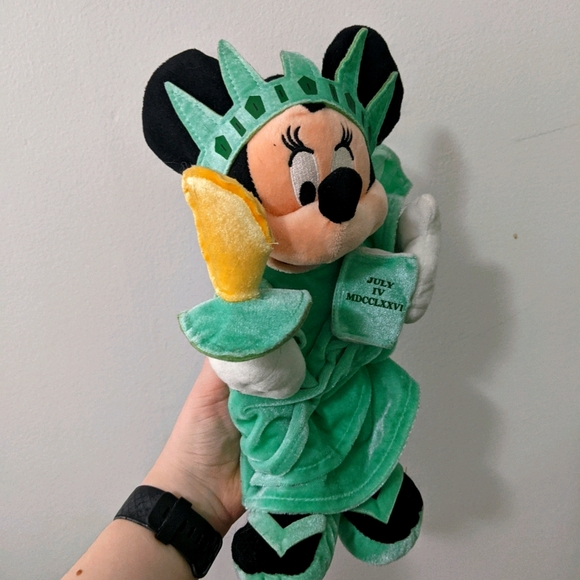 Minnie Mouse Liberty